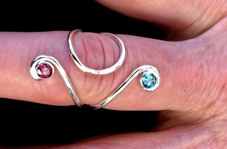 ring splint with pink and blue stones